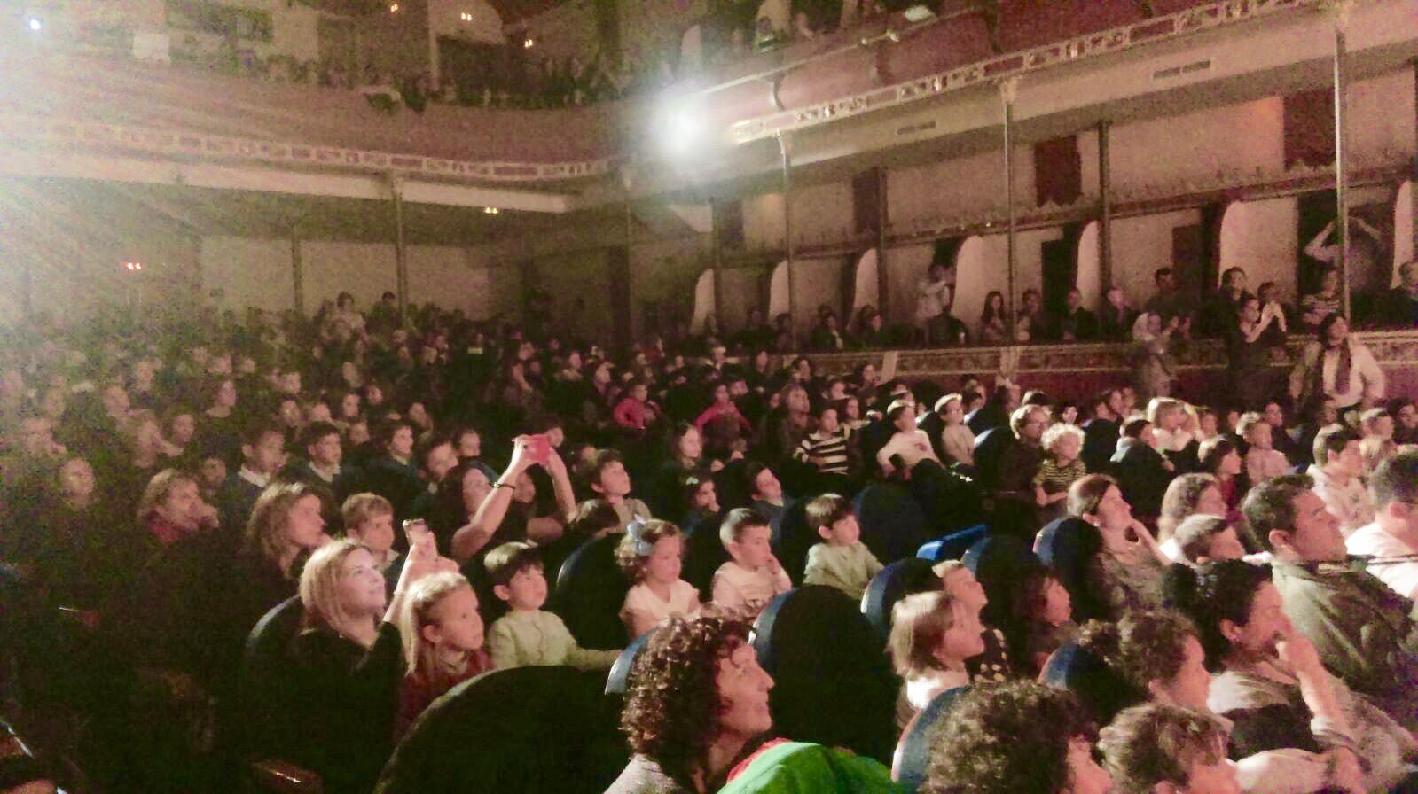 El Teatre de gom a gom